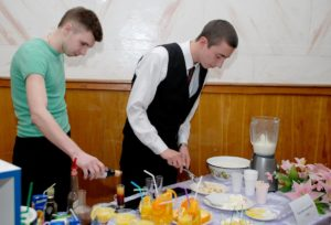 Профессия официант бармен